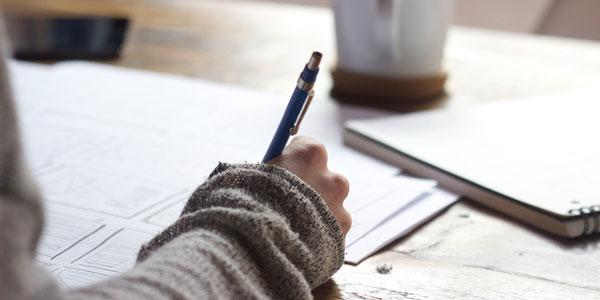 ประเภทของงานเขียน - เรื่องแต่งและเรื่องจริง